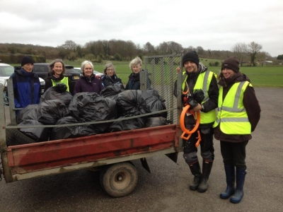 Join the great Wiltshire litter pickers to keep Britain Tidy - groups help to clean up the county